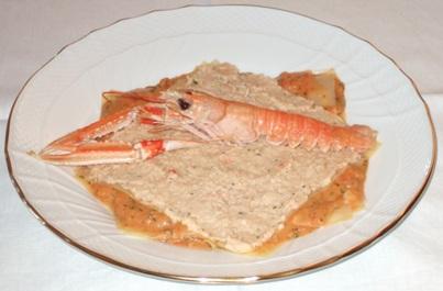 Lasagnetta aperta con crema di crostacei e frutti di mare