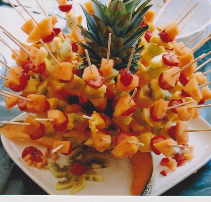 Souvent Spiedini di frutta fresca - Armonia in tavola, menu per quattro  EC38