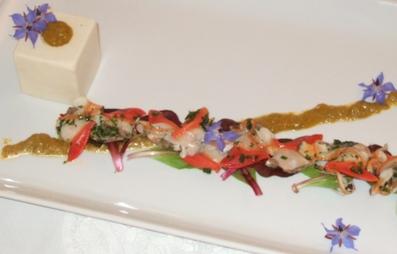 Bavarese di patate al Pernod, insalata di fasolari, salsa di fiori di zucchine allo zafferano