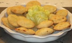 Raviolini fritti di ricotta e lattuga