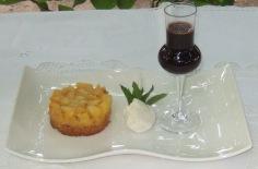 Tartare di pesche nettarine, granita alla vaniglia, salsa al Porto