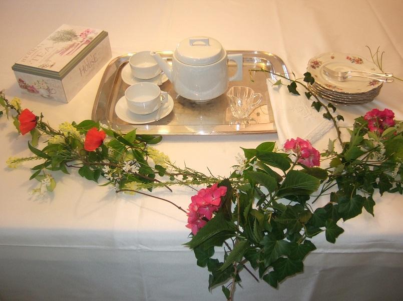 Mise en place per un tè a primavera