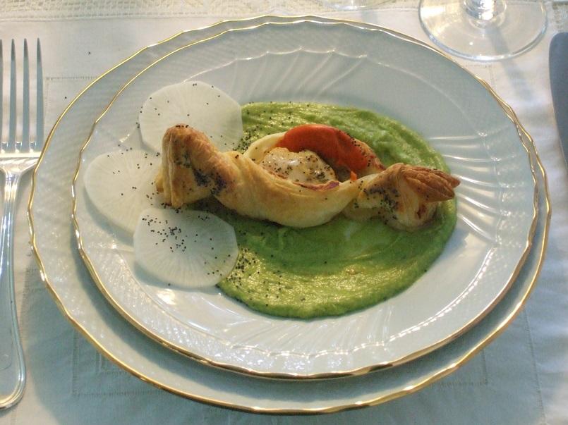 Capasanta all'aneto in guscio di sfoglia e crema piccante di avocado