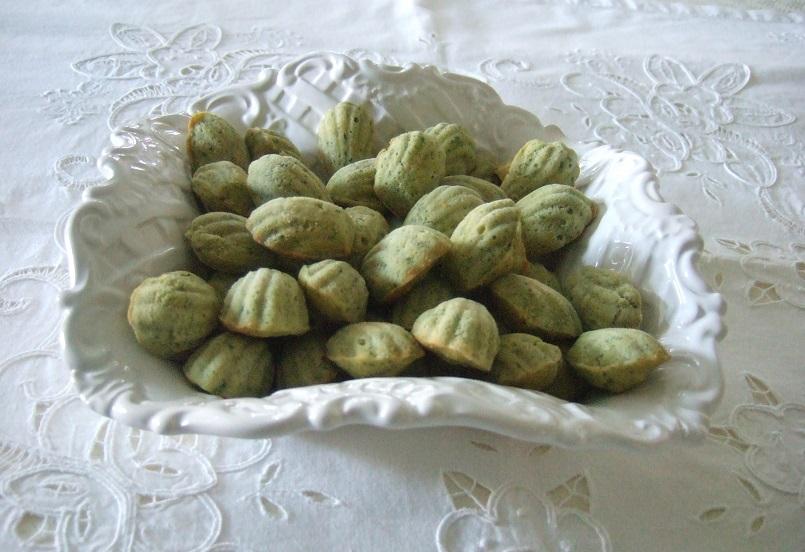 Madeleines salate al profumo di basilico