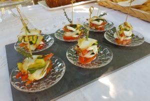Caprese di calamari al profumo di basilico con pomodori cuore di bue e zucchine grigliate